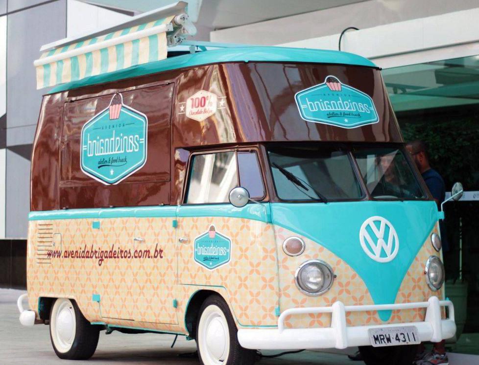 O food truck que oferece brigadeiros gourmet passa por vários bairros de Vitória