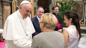 Sean mensajeros de la alegría que gusta a Dios y viene de Él, exhorta el Papa Francisco