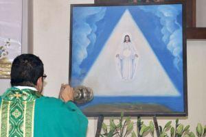 VÍDEO Y GALERÍA: PRIMERA ENTRONIZACIÓN DE LA IMAGEN DE MARÍA SIEMPRE VIRGEN EN COAHUILA