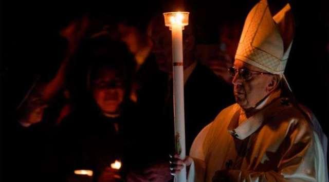 Papa Francisco agradece a vida contemplativa ser antorchas que iluminan la noche