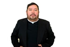 HOSPITALIZAN AL PBRO. JESÚS FELICIANO FLORES