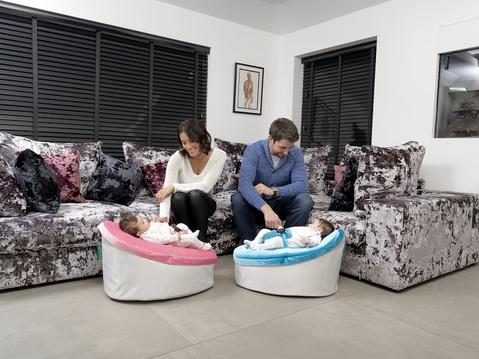 pink-and-blue-baby-seat_480x480.jpg