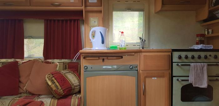 caravan17.jpg