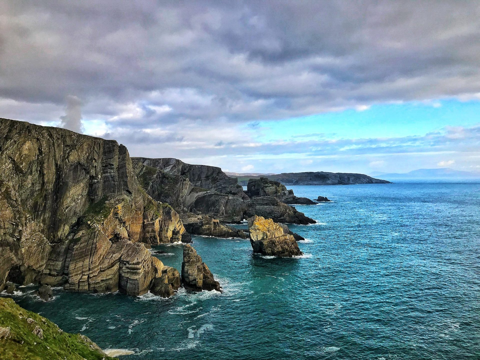 Top 5 Best Walking Destinations in Ireland