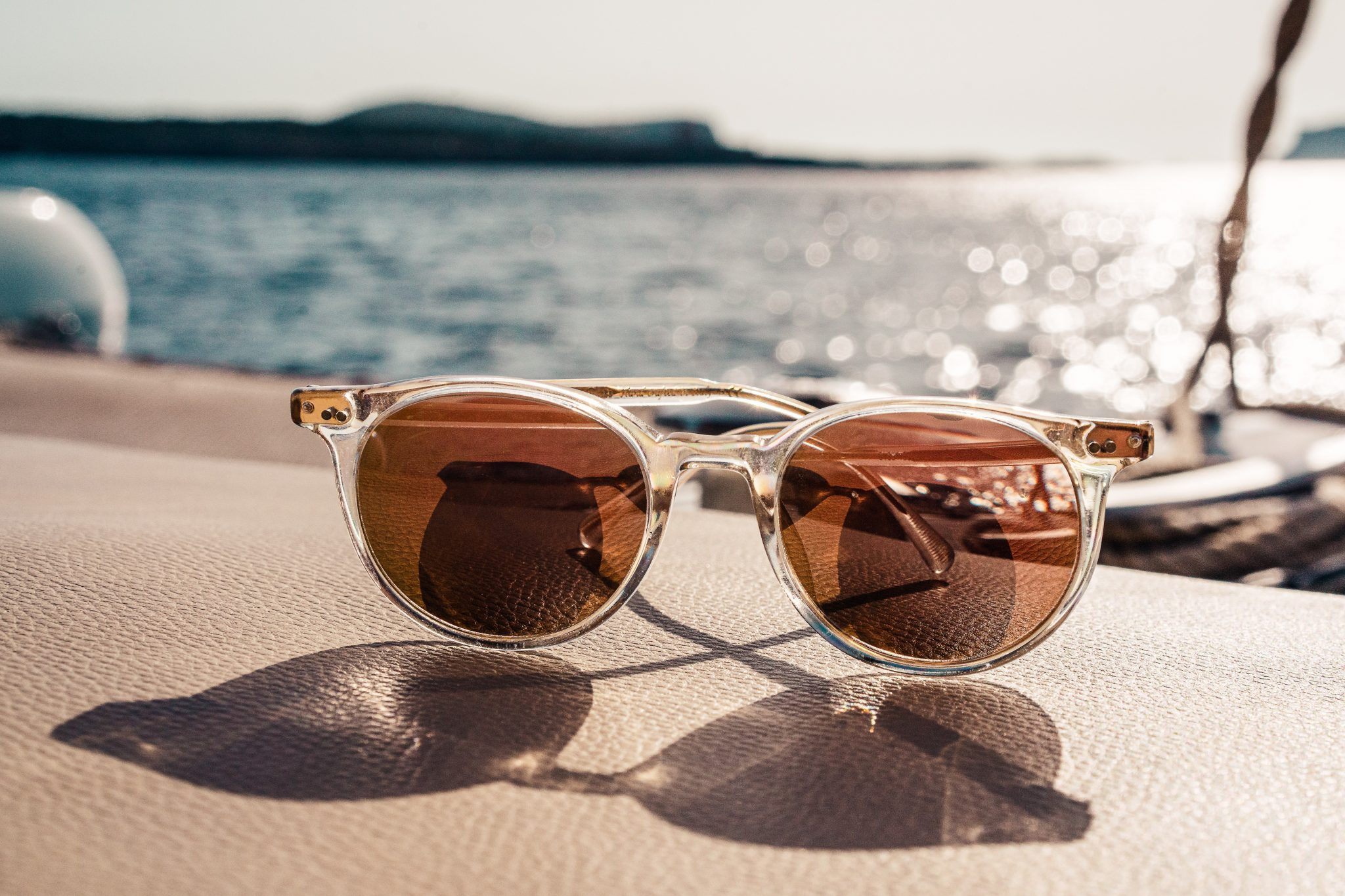 Choosing the Perfect Sunglasses for your Trip -
