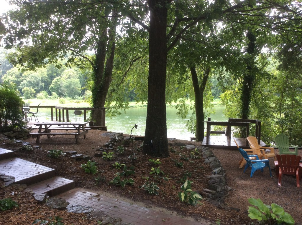 Cedarwood Lodge Fire Pit and Picnic Table