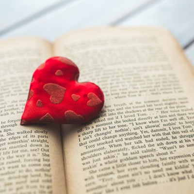 Weekend Reading: Love Stories