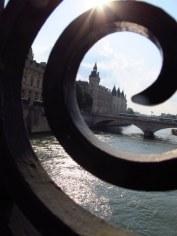 paris through the bridge