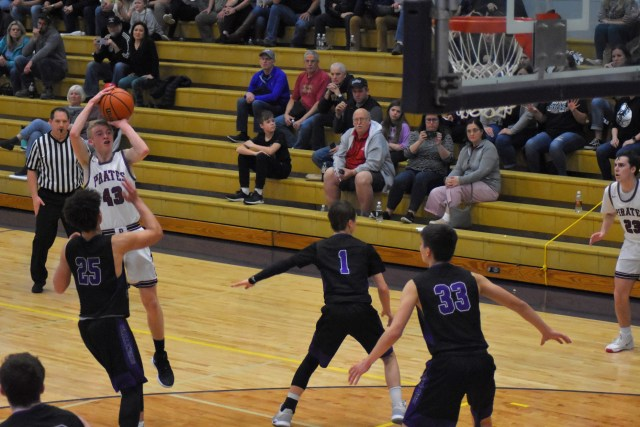Coos Bay Cliff-Notes: A very, very eventful day one on the boys side