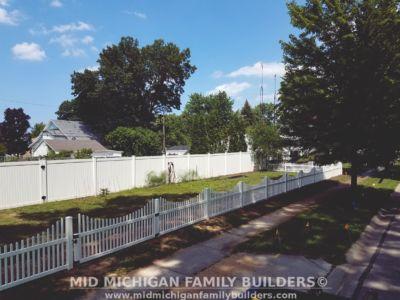 MMFB Fencing Project Vinyl Pickett 07 2017 01 02