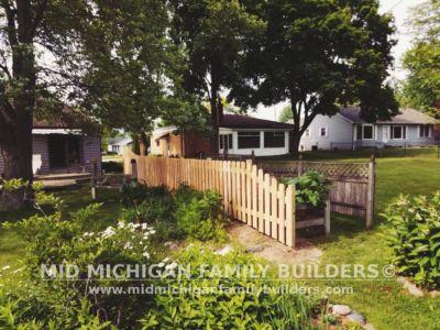 Mid Michigan Family Builders Custom Hand Built Cedar Shadow Box Fence 06 25 2018 10