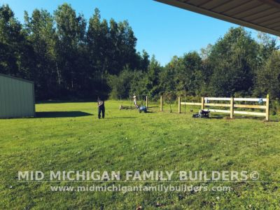 Mid Michigan Family Builders Rough Saw Horse Fence 09 2018 02