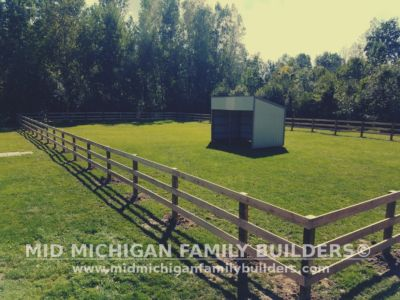 Mid Michigan Family Builders Rough Saw Horse Fence 09 2018 04