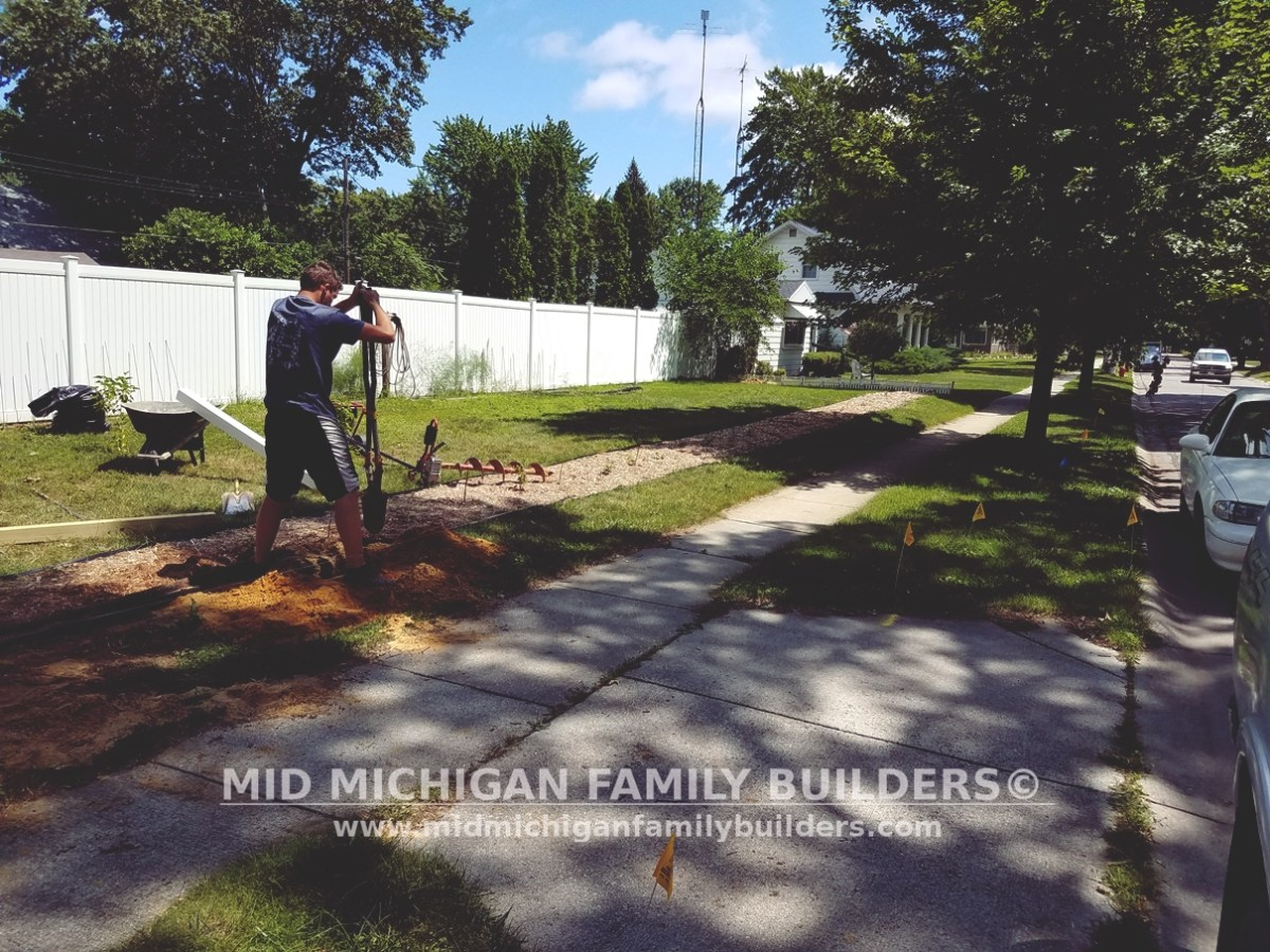 Mid Michigan Family Builders Custom Construction Project Fence Vinyl