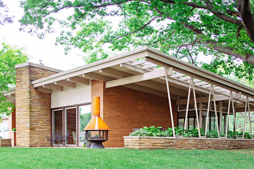 midcentury ranch in brick and stone