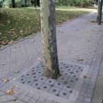 raeiros-entourage-arbre_gr02 - Raeiros_granit - Entourage d'arbre Mobilier urbain