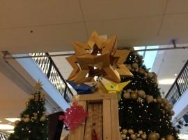 星形折り紙と小鳥