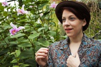 Meredith Ernst as Viola