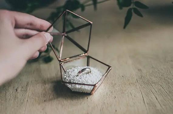 8 Unique Engagement Ring Box Ideas