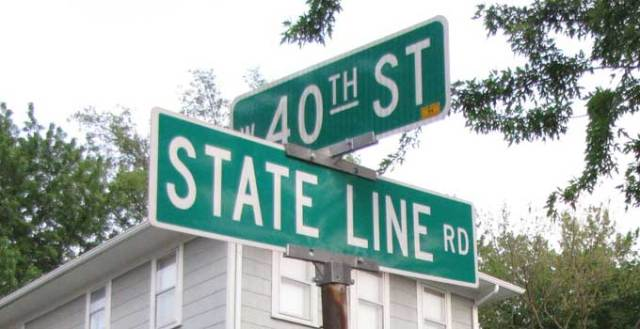 state-line-sign