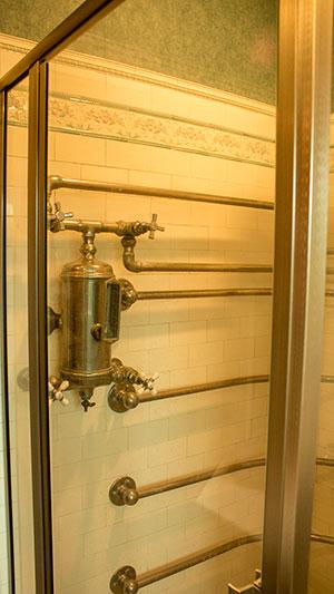 bathroom-pipes