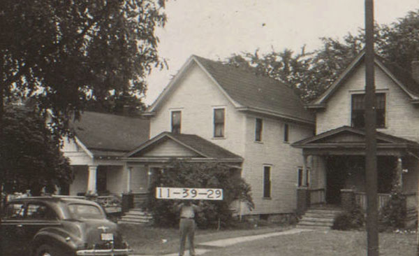 A home on the 3100 block of Summit in 1940.