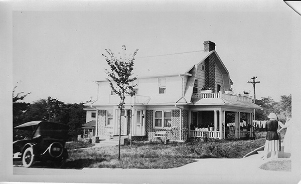 The home at 5510 Crestwood Drive in 1922.