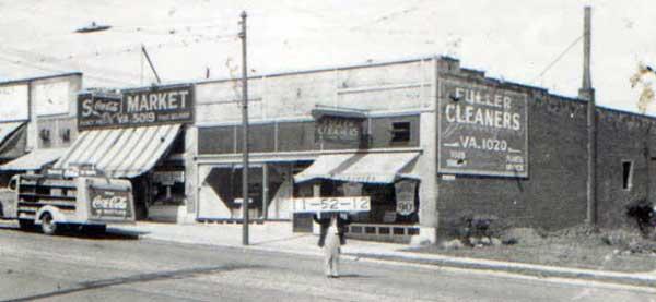 Sol's Market at 3305 Summit Street in 1940.