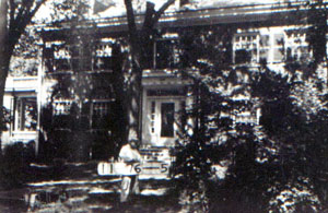 3538 Gillham in 1940.