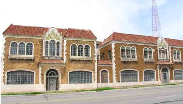 The Luzier Cosmetic Building at 3212 Gillham Plaza is an example of neighborhood commercial structures that Historic Kansas City has placed on its endangered list for the year.