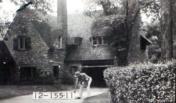 he first tract of land that Hugh Ward sold from his farm, in an area that became known as Sunset Hill, stood at 640 W. Fifty Second Street facing Loose Park. The home was designed by the architectural firm of Shepard, Farrar & Wiser. Advertising man Frank B. Nutter lived there with his family and then sold it to Edward Carpenter, proprietor of the Kansas City House and Window Cleaning Company, who lived there when this photo was taken in 1940.