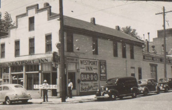 Kelly's Westport Inn, one of the most historically significant buildings in Kansas City, was built in 1985. It served the frontier community as Boone's Trading Post, and was later used as a drug store, a grocery store, and a hardware store.
