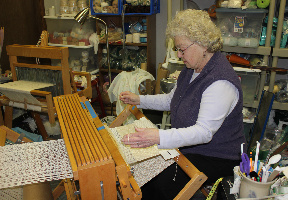 weaving class at WMQFA