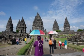 Entering Prambanan