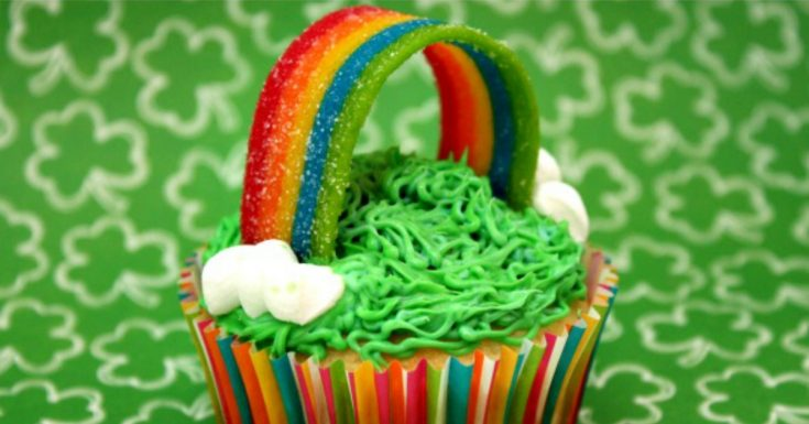 Looking for a fun St. Patrick's Day dessert? These Somewhere Over the Rainbow cupcakes are sure to thrill any kid! They'd be great for a class party, an after school treat, or as part of your holiday celebration. The kids will love helping put on the rainbows and clouds!