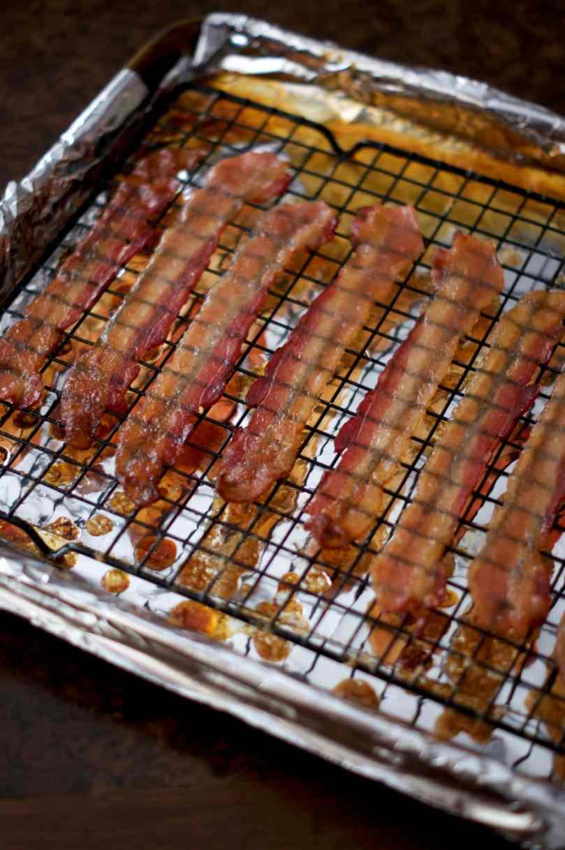 maple bourbon glazed bacon | via Midwest Nice Blog
