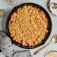 Rhubarb Crisp with Oatmeal Topping