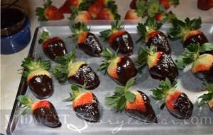 Dipped Berries www.midweststoryteller.com