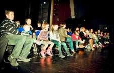 """ZDJĘCIE: 2011-05-03 Teatr Młodego Widza """"Beczka Śmiechu"""" MOK Głogów fot.Sz.Gburek"""
