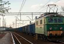 2013-10-19-zmiana-nazw-stacji-kolejowych@Glogow-(fot.www.koleje-pkp.kolej.org.pl)-01-