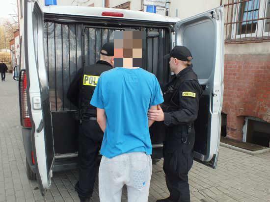 zdjęcie 2014-03-28-sprawcy-rozboju-zatrzymani-przez-głogowską-policje@Głogów-01