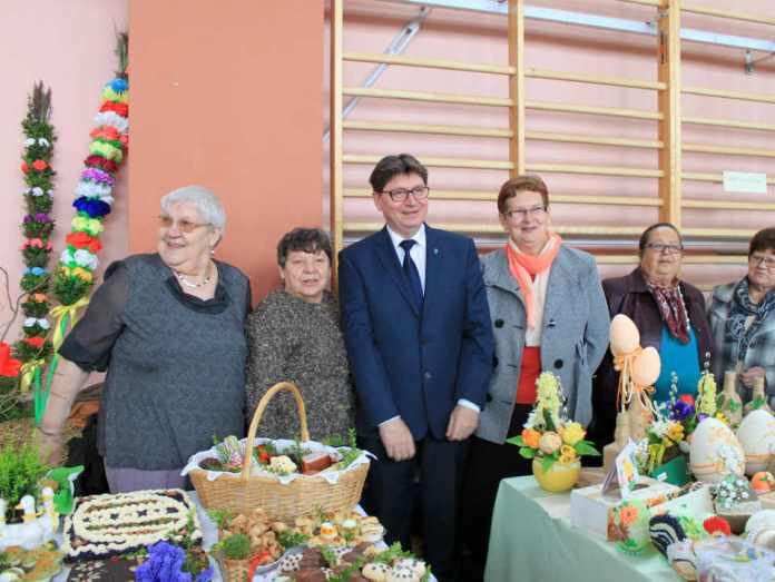 zdjęcie 2014-04-10-prezentacja-tradycji-wielkanocnych@ZSP@Głogów-02