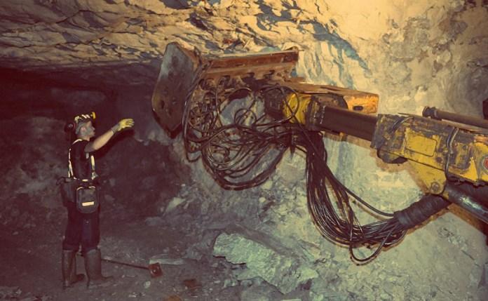 Zdjęcie: KGHM - kopalnia - widok od ziemią (fot.J.Galusek)