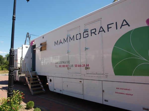 zdjęcie 2014-07-04-badania mammograficzne@mammobus-001