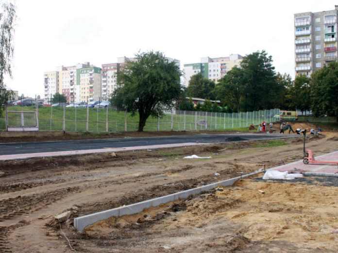 2014-09-10-budowa boiska wielofunkcyjnego szkoła podstawowa nr 12@Głogów-001