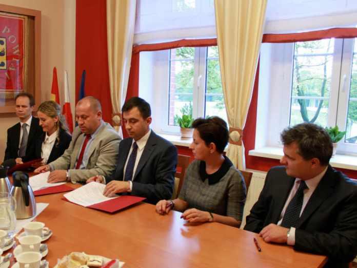 zdjęcie 2014-09-26-podpisanie listu intencyjnego@Starostwo Powiatowe@Głogów-num
