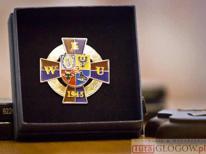 zdjęcie 2014-10-20-medal za zasługi WKU@Głogów-num