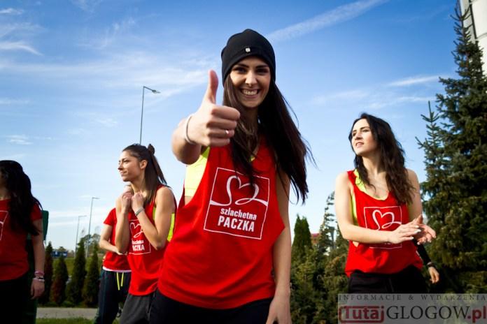 2014-11-08 Maraton Zumba Fitness Tańcz i pomagaj @Parking Tesco (fot.P.Dudzicki) 12