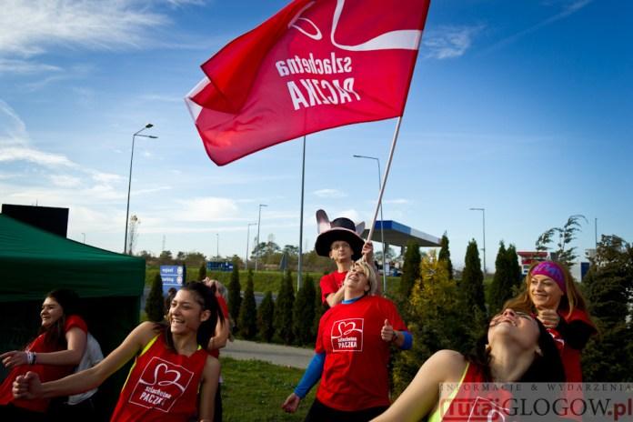2014-11-08 Maraton Zumba Fitness Tańcz i pomagaj @Parking Tesco (fot.P.Dudzicki) 18