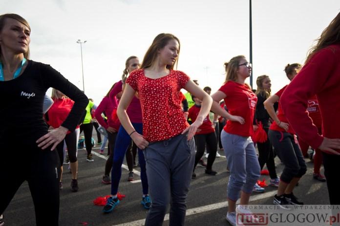 2014-11-08 Maraton Zumba Fitness Tańcz i pomagaj @Parking Tesco (fot.P.Dudzicki) 23